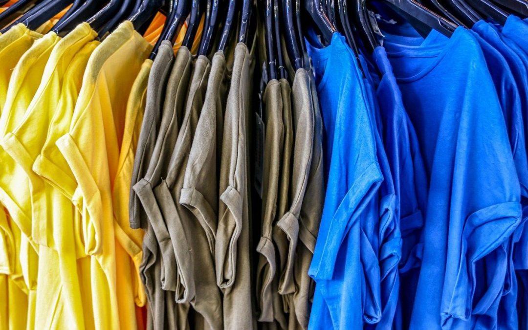 Välj profilkläder med tryck för att marknadsföra ditt varumärke